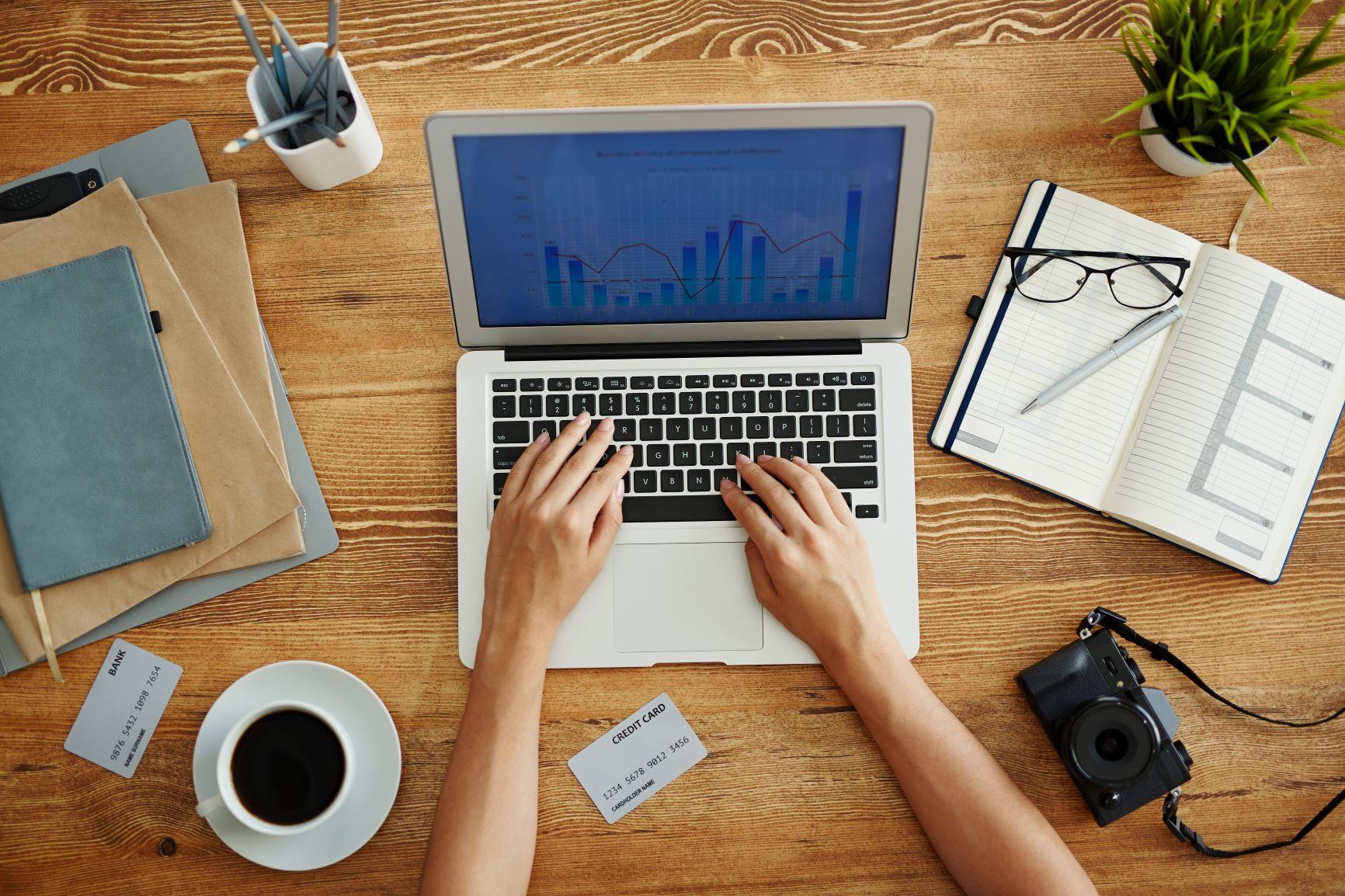 website neugestaltung laptop